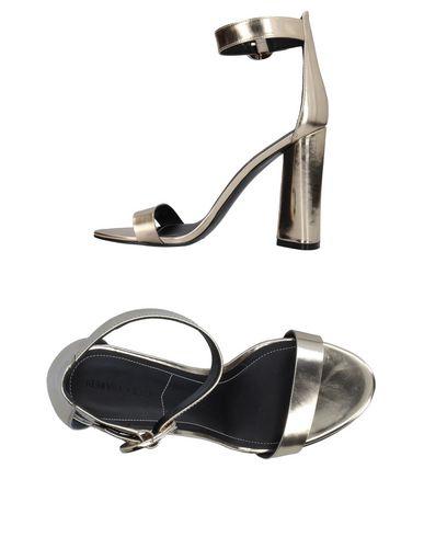 Купить Женские сандали KENDALL + KYLIE цвет платиновый