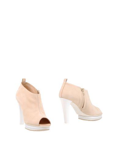 Фото - Женские ботинки и полуботинки  бежевого цвета