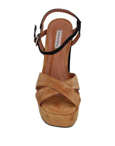 Фото 2 - Женские сандали RAPHAELLA BOOZ цвет песочный
