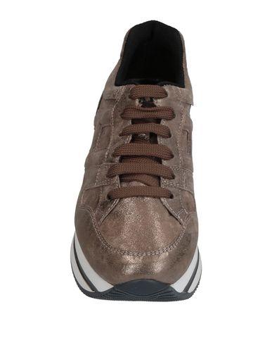 Фото 2 - Низкие кеды и кроссовки бронзового цвета