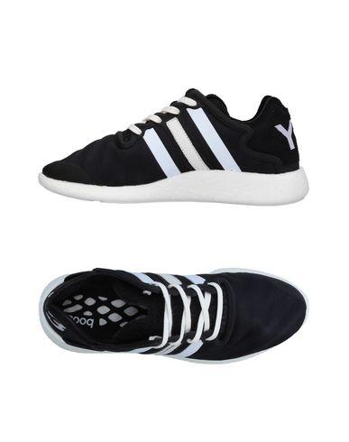 Фото - Низкие кеды и кроссовки от Y-3 черного цвета