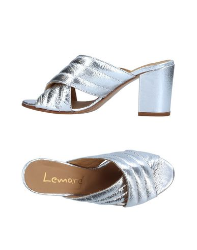 Фото - Женские сандали LEMARÉ серебристого цвета
