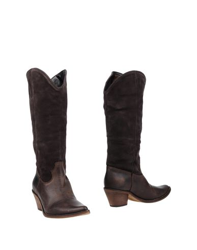 Фото - Женские сапоги  темно-коричневого цвета