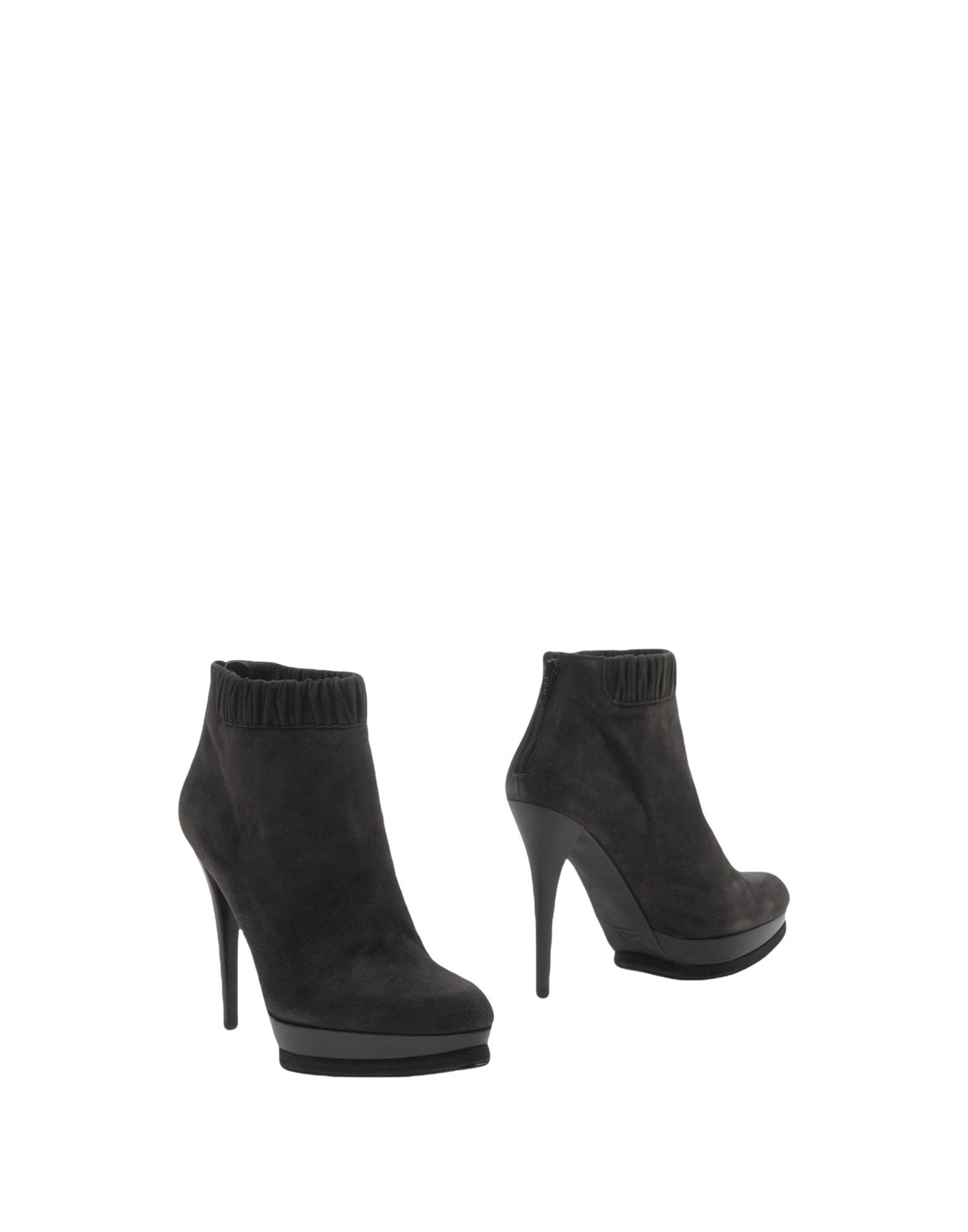 STUART WEITZMAN Полусапоги и высокие ботинки цены онлайн
