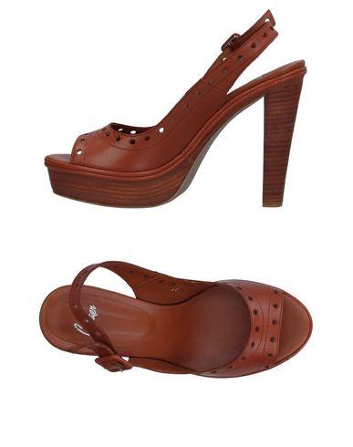 Фото - Женские сандали CASTAÑER коричневого цвета