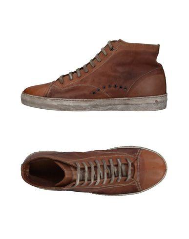 Фото - Высокие кеды и кроссовки от GIORGIO BRATO коричневого цвета