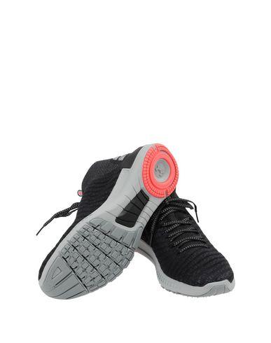Фото 2 - Низкие кеды и кроссовки от UNDER ARMOUR черного цвета