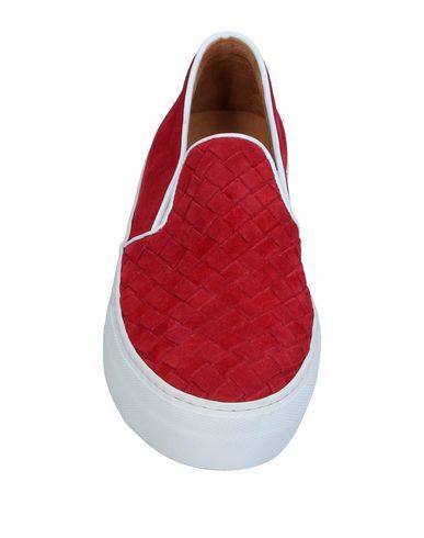 Фото 2 - Низкие кеды и кроссовки от BY A. красного цвета