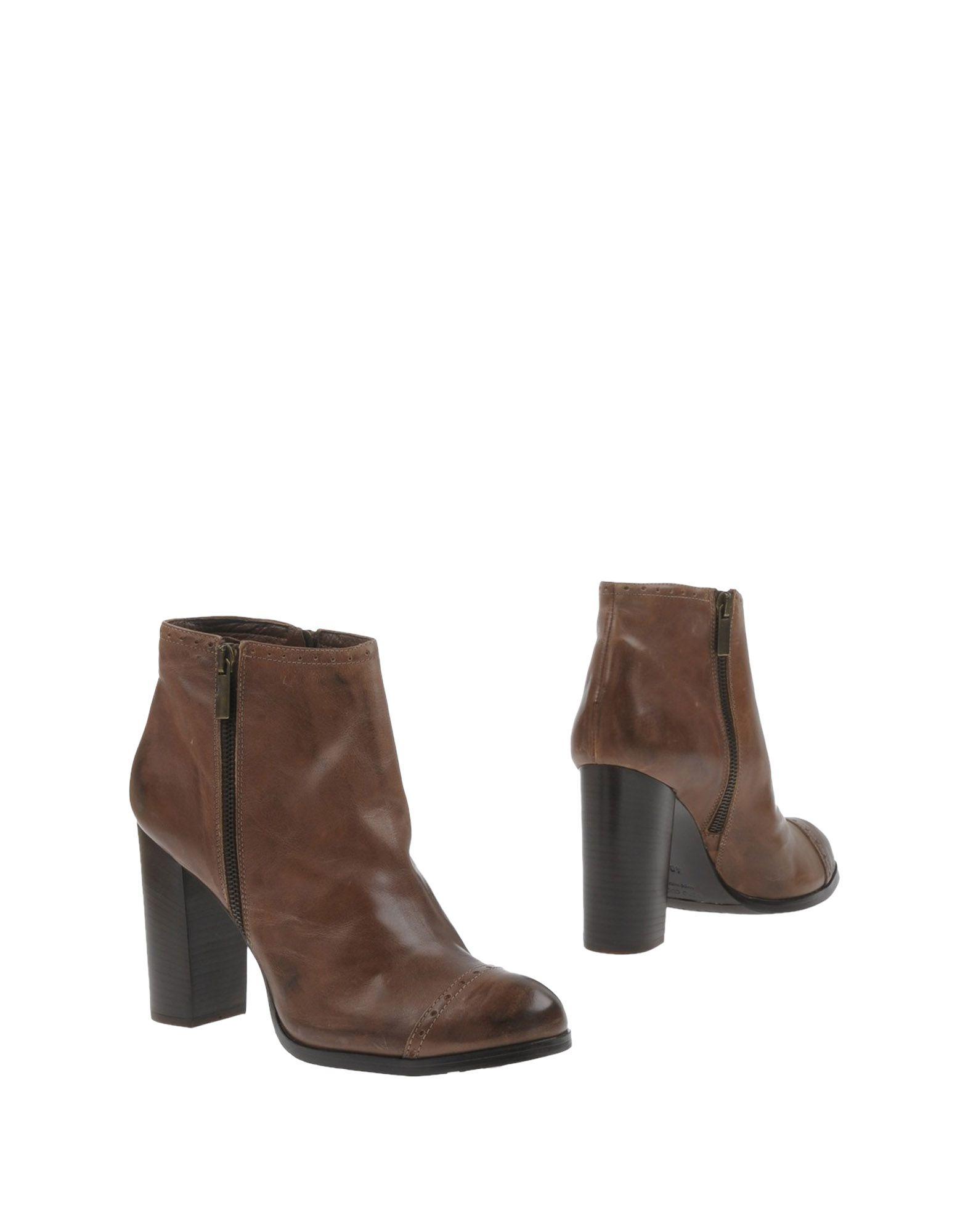 цены на YOSH COLLECTION Полусапоги и высокие ботинки в интернет-магазинах