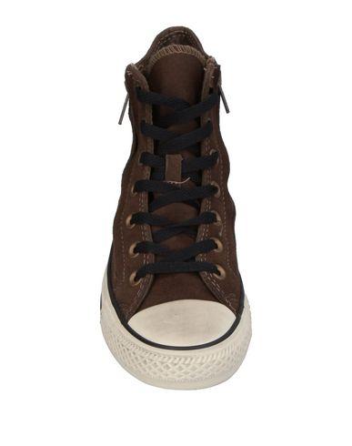 Фото 2 - Высокие кеды и кроссовки от CONVERSE ALL STAR темно-коричневого цвета