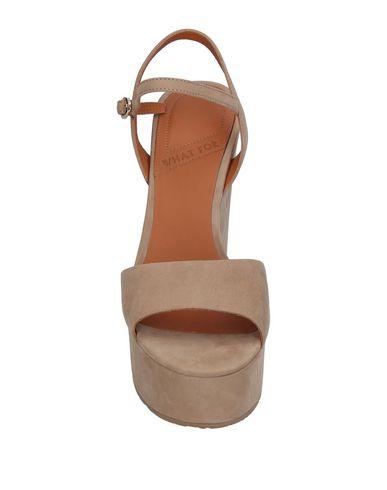 Фото 2 - Женские сандали WHAT FOR бежевого цвета