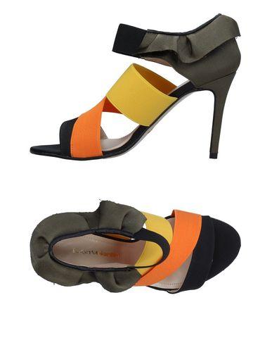 Фото - Женские сандали  оранжевого цвета