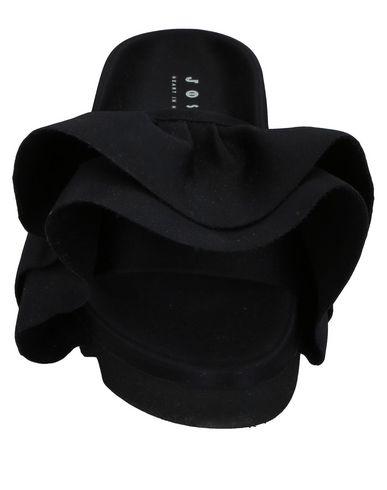 Фото 2 - Женские сандали JOSHUA*S черного цвета