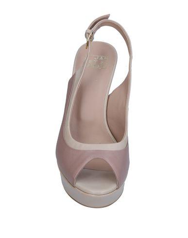Фото 2 - Женские сандали  цвет голубиный серый