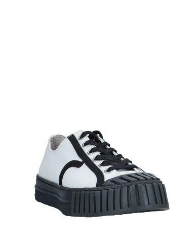 Фото 2 - Низкие кеды и кроссовки от ADIEU черного цвета
