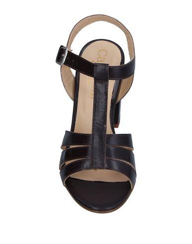 Фото 2 - Женские сандали  темно-коричневого цвета
