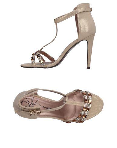 Купить Женские сандали TRENDY TOO цвет платиновый