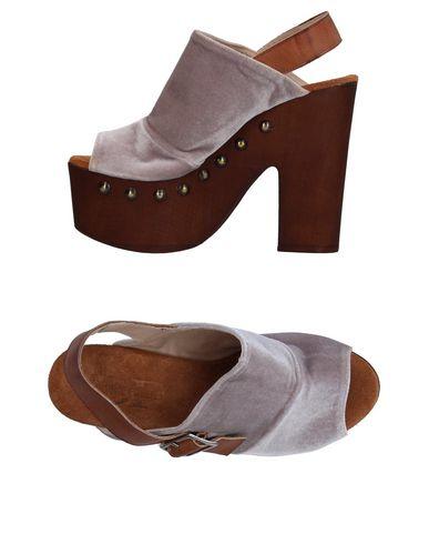 Купить Женские сандали DIVINE FOLLIE цвет голубиный серый