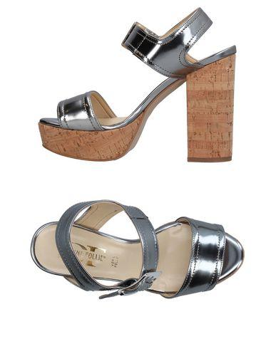 Фото - Женские сандали DIVINE FOLLIE серебристого цвета