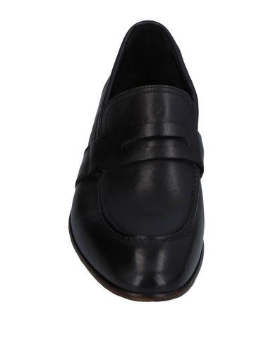 Фото 2 - Мужские мокасины PREVENTI черного цвета