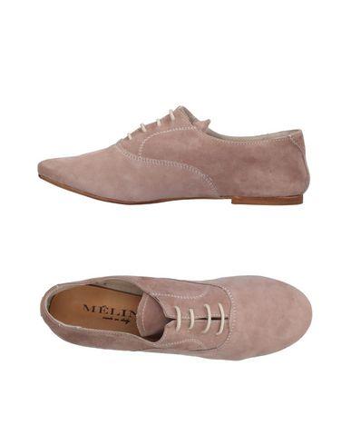 Фото - Обувь на шнурках от MÉLINÉ светло-коричневого цвета