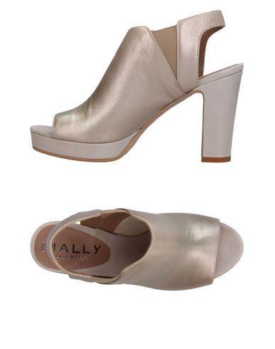 Купить Женские сандали MALLY серого цвета