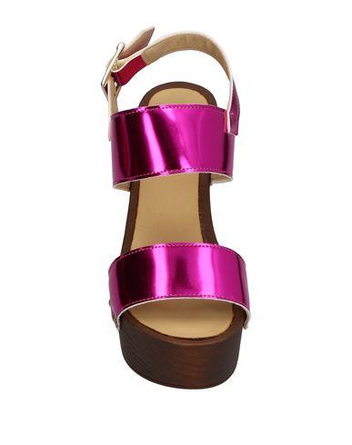 Фото 2 - Женские сандали ISLO ISABELLA LORUSSO цвета фуксия