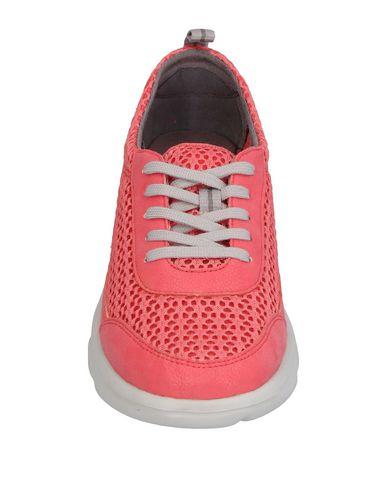 Фото 2 - Низкие кеды и кроссовки лососево-розового цвета