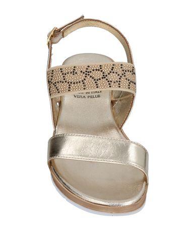 Фото 2 - Женские сандали OROSCURO цвет платиновый