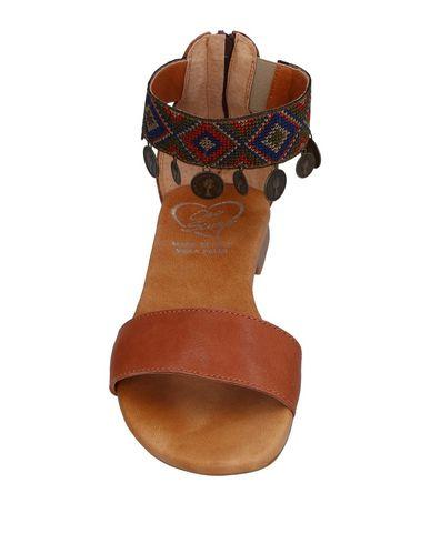 Фото 2 - Женские сандали OROSCURO цвет верблюжий