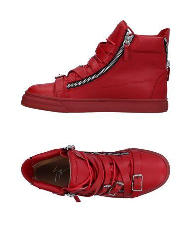 Фото - Высокие кеды и кроссовки кирпично-красного цвета