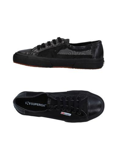 Купить Низкие кеды и кроссовки от SUPERGA черного цвета