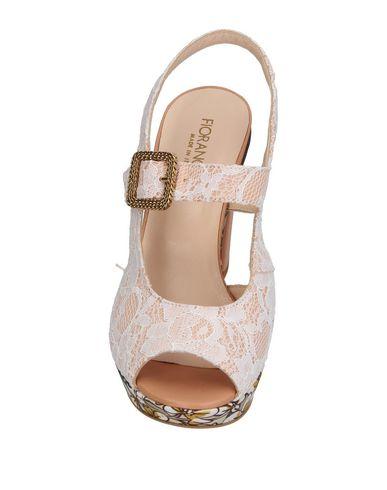 Фото 2 - Женские сандали  цвет песочный