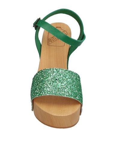 Фото 2 - Женские сандали ANTIDOTI зеленого цвета