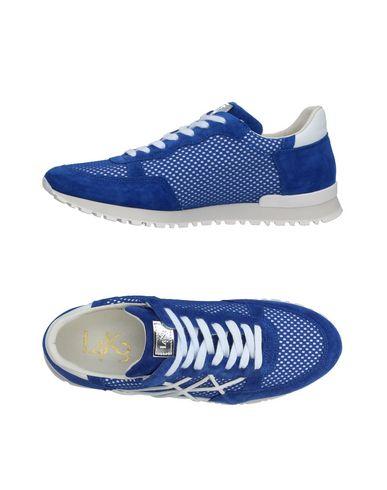 Фото - Низкие кеды и кроссовки от L4K3 ярко-синего цвета