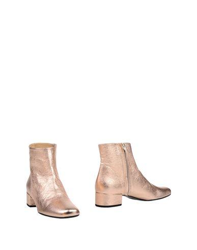 Полусапоги и высокие ботинки от LEA-GU