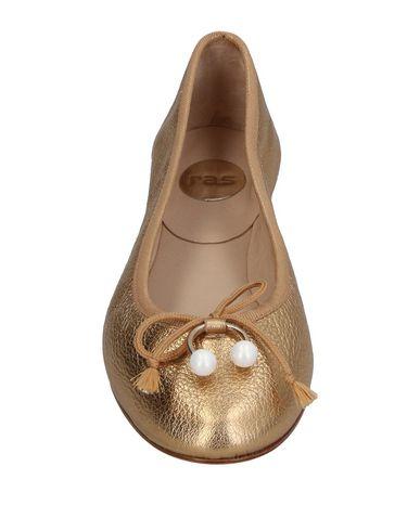 Фото 2 - Женские балетки  золотистого цвета