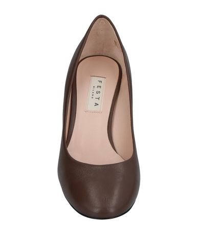 Фото 2 - Женские туфли  цвета хаки