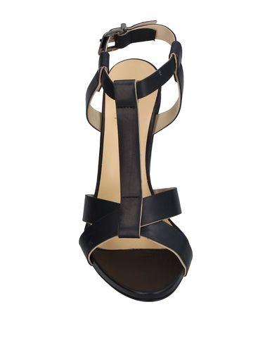 Фото 2 - Женские сандали 1,618 черного цвета