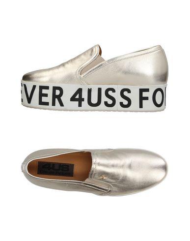 Купить Низкие кеды и кроссовки от CESARE PACIOTTI 4US цвет платиновый
