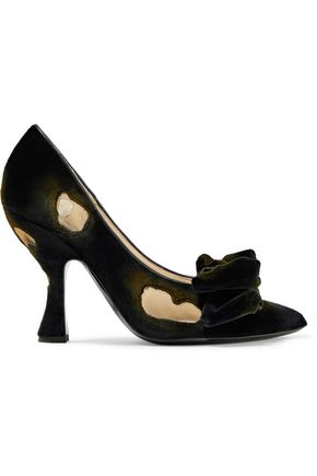 MOSCHINO Distressed bow-embellished velvet pumps