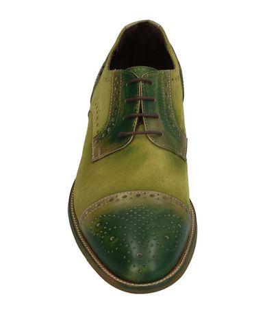 Фото 2 - Обувь на шнурках от BRIAN DALES зеленого цвета