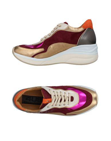 Фото - Низкие кеды и кроссовки от CESARE PACIOTTI 4US цвет пурпурный