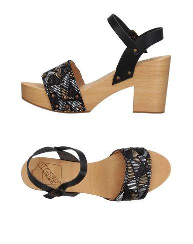 zapatillas ANTIDOTI Mules & Zuecos mujer