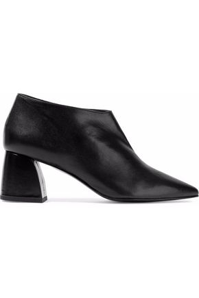 8 Leather ankle boots