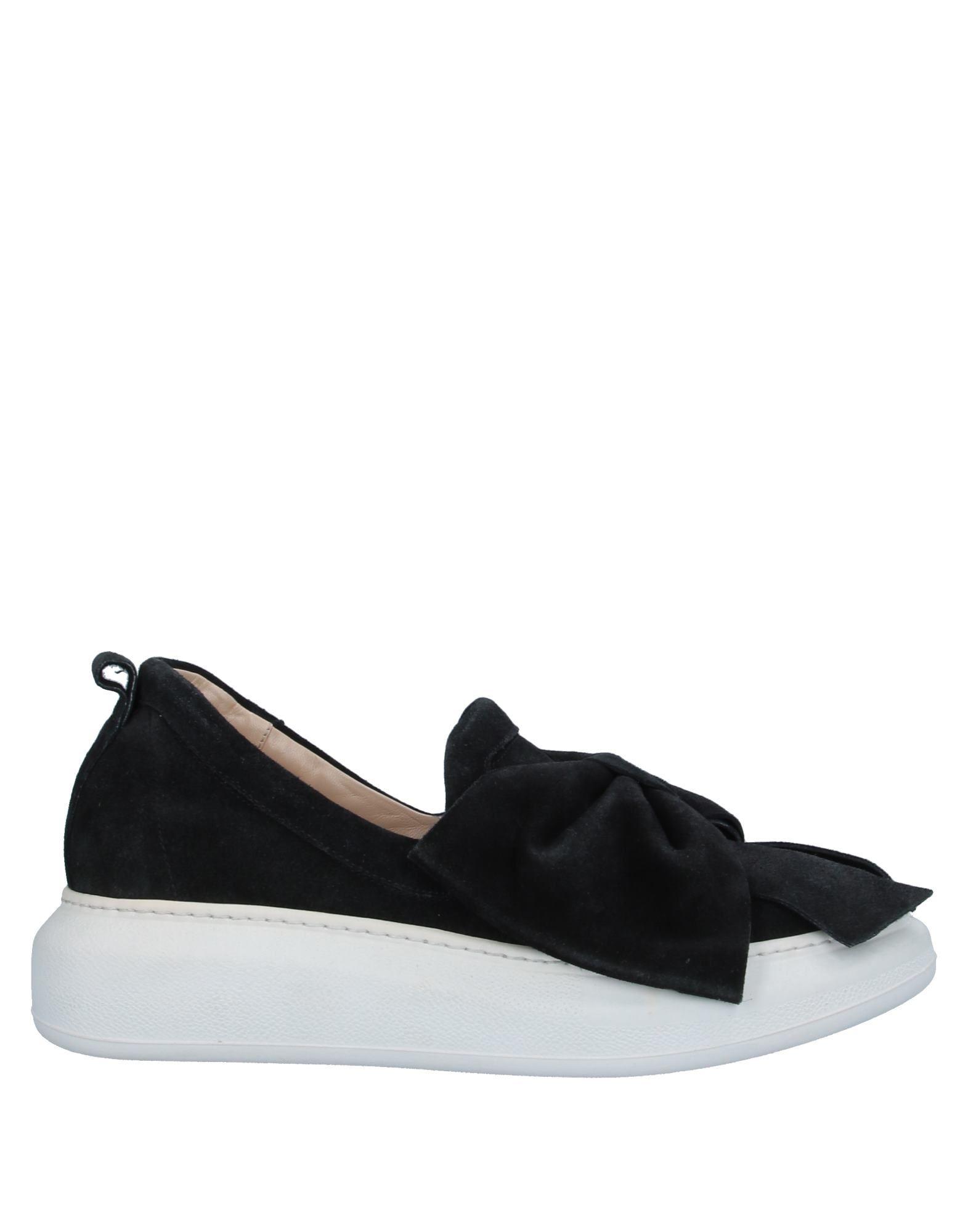 LA BLANC Низкие кеды и кроссовки