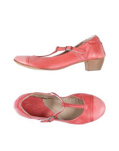 Туфли от KUDETÀ
