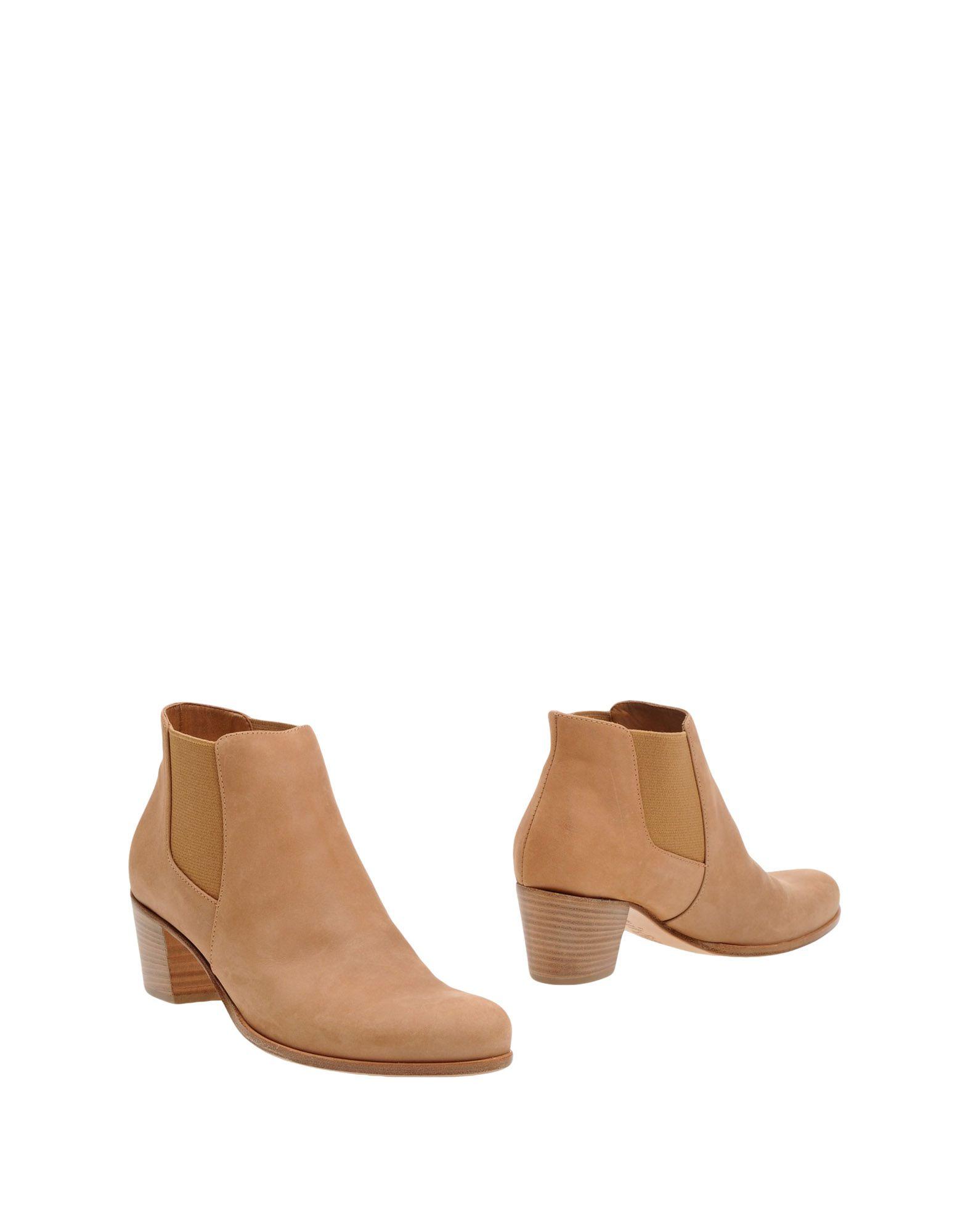 CARRARO Полусапоги и высокие ботинки