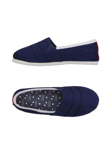 Низкие кеды и кроссовки от MTNG