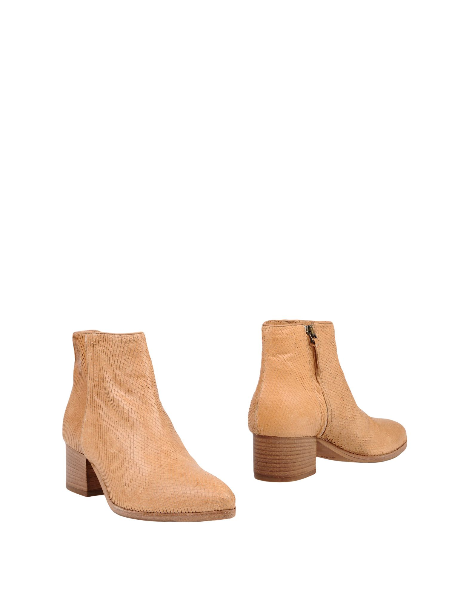 цена J|D JULIE DEE Полусапоги и высокие ботинки онлайн в 2017 году